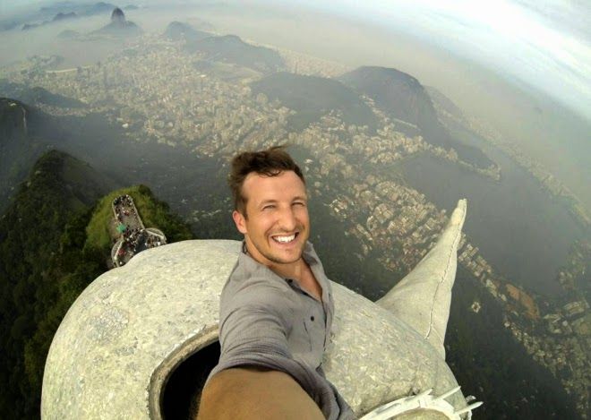 best selfies in the world Lee Thompson.