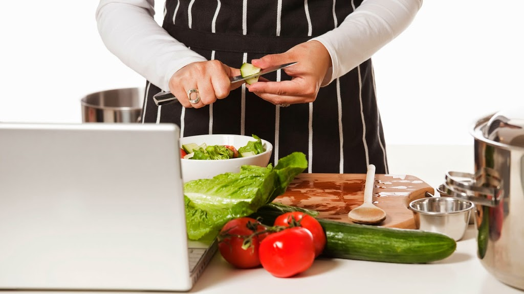 10 Best Cooking Websites to Teach Cooking Online